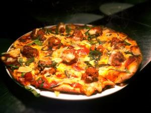 Pizza-Rasa-Abon-ukuran-Kecil-Rp.-8.000-