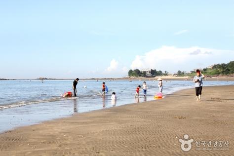 Byeonsan Beach [2]